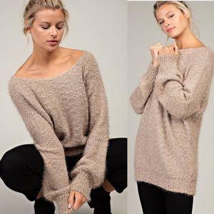 Sweaters - 🆕 GEMMYE Soft Touch Fuzzy Sweater